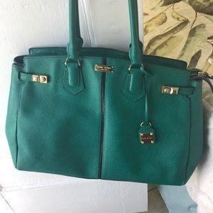 Very good looking handbag!!